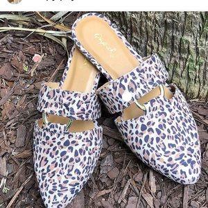 Shoes - Leopard mules